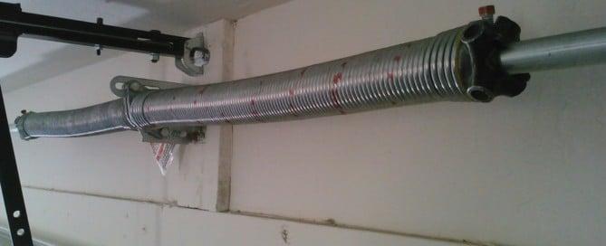 4 Steps to Replacing Broken Garage Door Springs